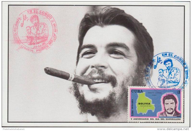 Che Guevara fumando